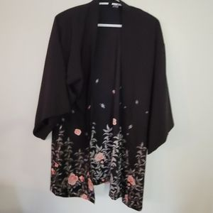 Divided black with floral printd kimono